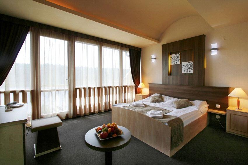 szállodai szoba függöny ROKA Lakástextil referencia