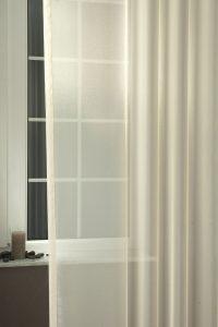 Liliána fényáteresztő függöny színes