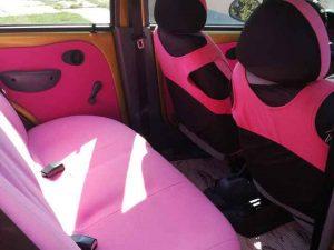 rózsaszín autókárpit