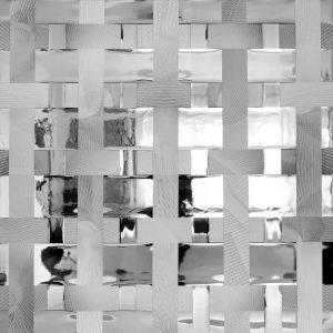 tükrös műbőrből készült alkotás - robitz anikó műtárgy